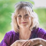 Rabbinic Pastor Cantor Lisa Levine